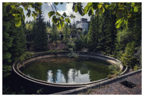 verlassenes Zinnbergwerk im böhmischen Erzgebirge