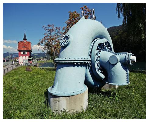 ...samt Schieberhaus und alter Turbine.