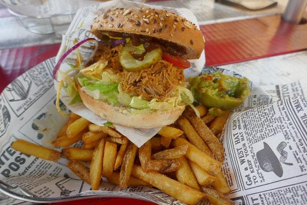 Bus Burger - ein echter Kult-Diner mitten in Finnland :)