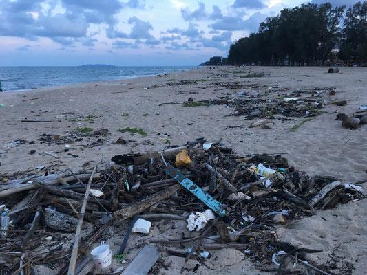 Kuala Terengganu - verschmutzte Strände