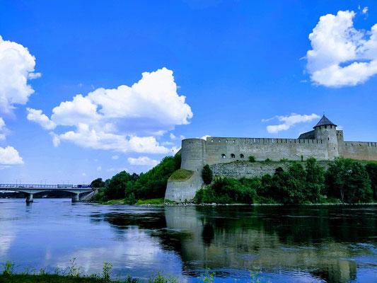 Grenzstadt Narva - russische Burg Ivangorad