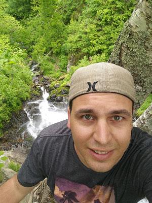 Wanderung zu den Lewis Falls