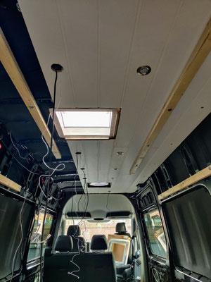 Einbau der Decke inkl. LED-Spots