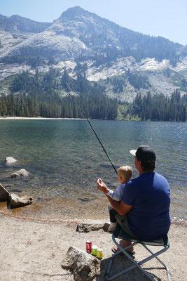 Yosemite Nationalpark - angeln im Tenaya Lake