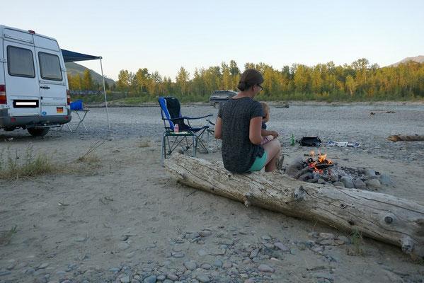 Übernachtungsplatz am Flussufer