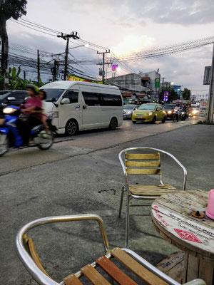 in den Straßen von Chalong