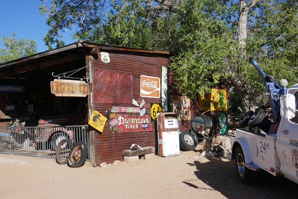 Route 66 - Hackberry's General Store