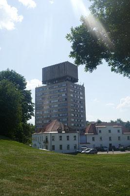 Grenzstadt Narva - bröckelnde Sowjetplattenbauten