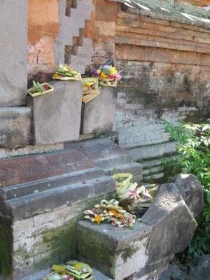 In den Gassen von Ubud - Opfergaben