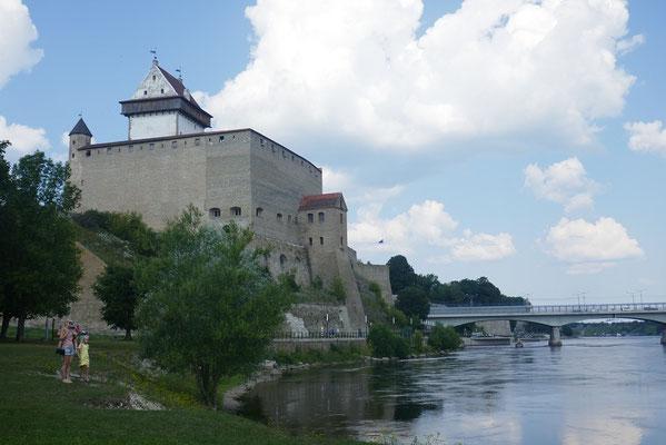 Grenzstadt Narva - estnische Herrmannsfestung