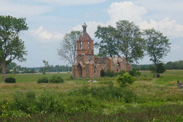 Kirchenruine aus Sowjetzeiten