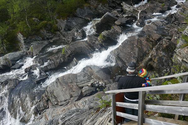 ...mit Wasserfall
