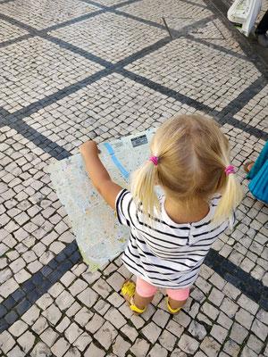 Coimbra - Zoé schaut wo´s lang geht :)