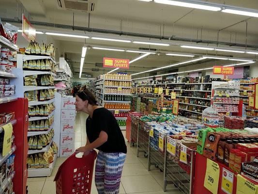 und einer der vielen Supermärkte