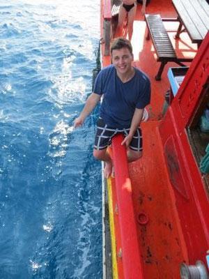Jan beim angeln auf Thai-Art