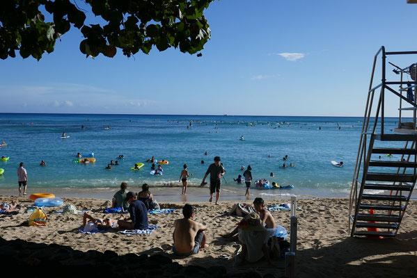 Viel los am Waikiki Beach