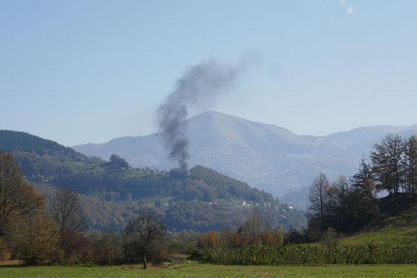 Autocamp Rabrenovic - Müllverbrennung in den Bergen