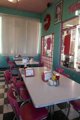 Mr. D'z Diner in Kingman