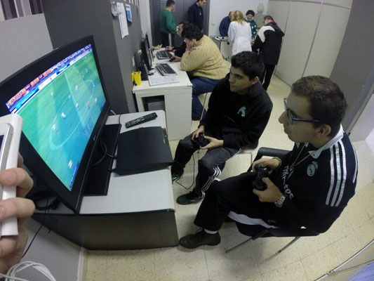 XOGANDO A PLAYSTATION