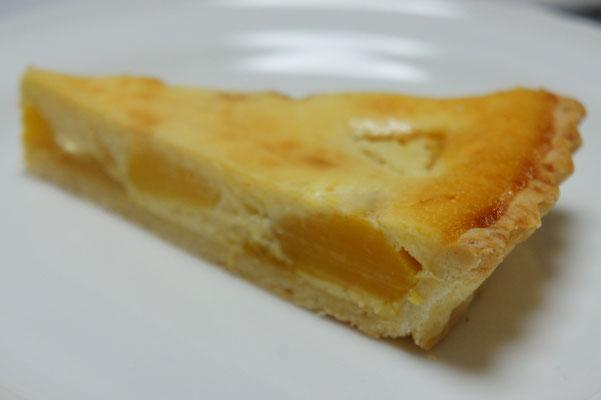 マンゴーのクリームチーズタルト