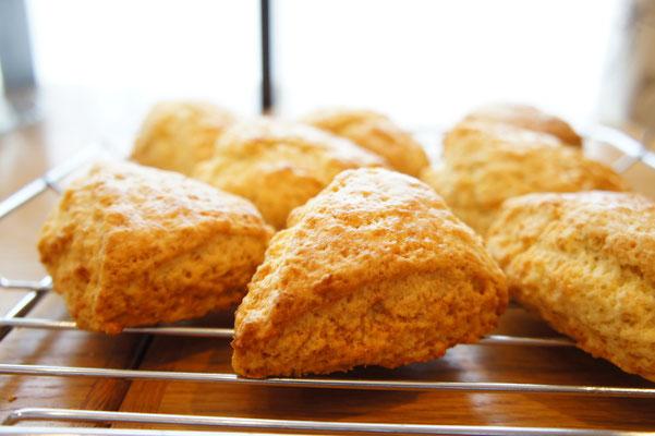 しょうが ; 自家製の生姜の甘煮のピリッとした辛みと香りがアクセント。