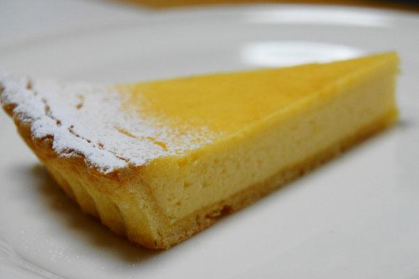 レモンのチーズタルト ;