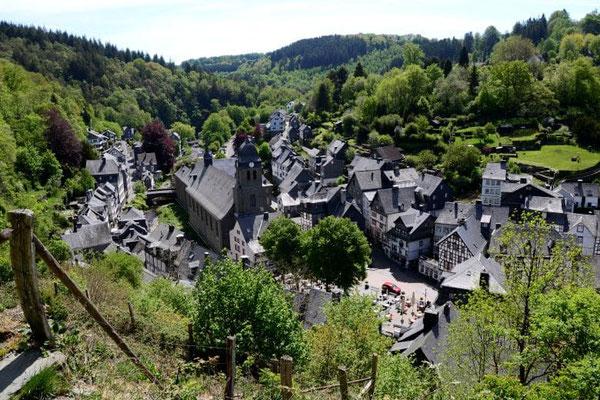 Ausflugsziel Monschau Aussicht von der Haller-Ruine