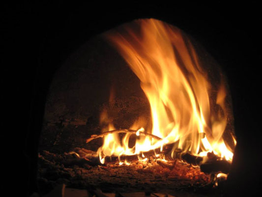 Having a wood burning oven in my garden is great!  It is a cozy place to relax and enjoy fresh pizzas!