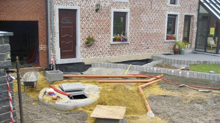 Pose des tuyaux d'évacuation des eaux usées