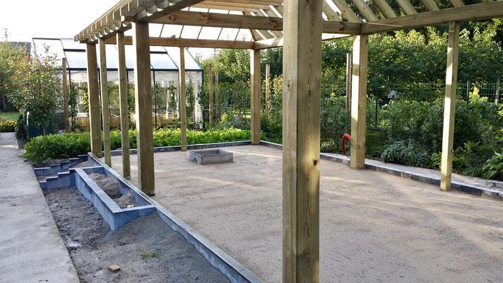 Réalisation sur mesure de pergolas de jardin par BLS