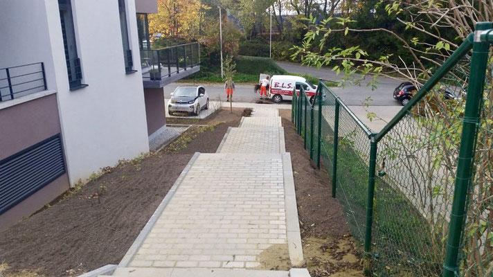 Aménagement d'un accès dans un quartier de Nivelles