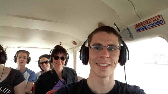 Captain Dinu vor dem Nazcarundflug