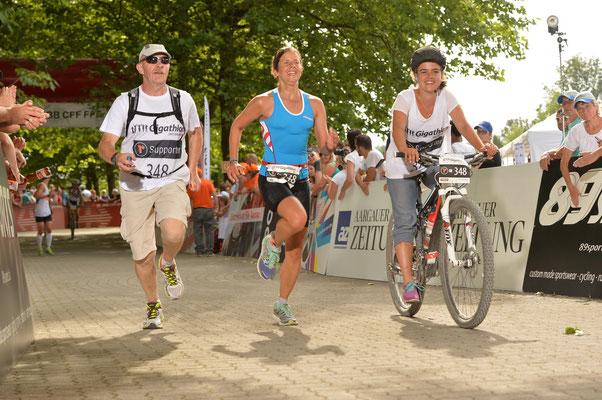 Tabea Ruegge beim finalen Zieleinlauf