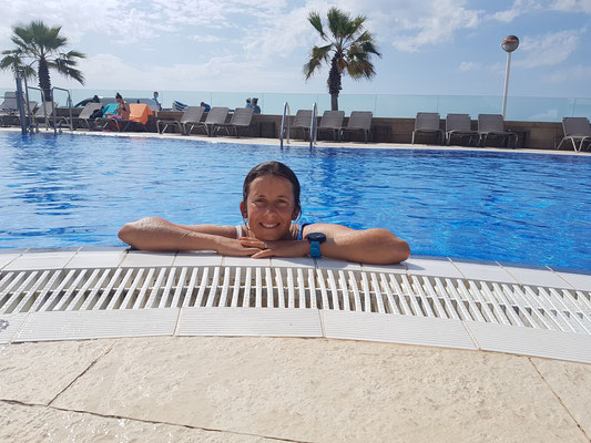 Im Pool - Cambrils