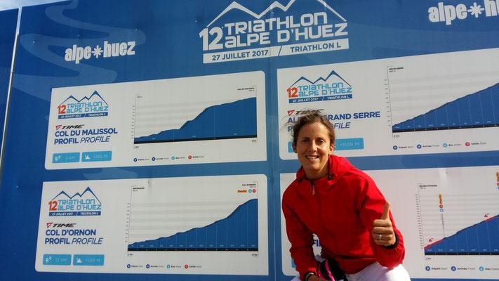 Ready? Am Tag zuvor bei der Startnummerausgabe zum Alpe d'Huez Triathlon