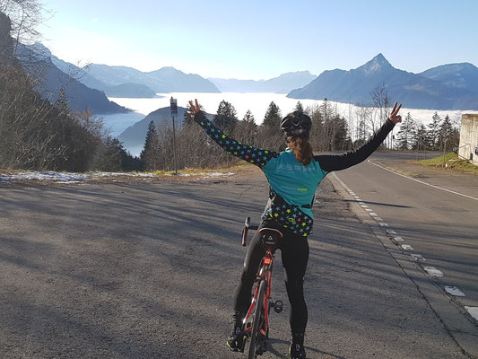 Das Nebelmeer, auf dem Weg zur Ibergeregg