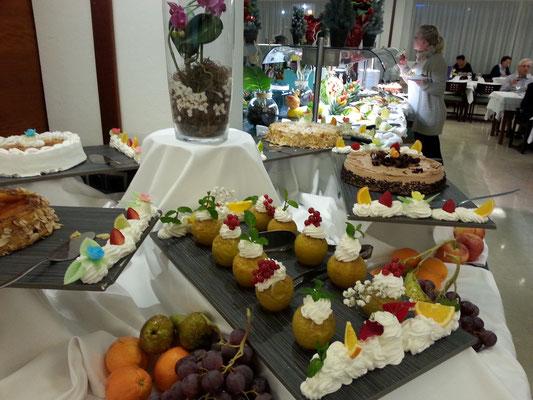 Dessertbuffet - jede Obe :-)
