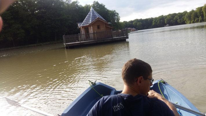 Anfahrt per Ruderboot
