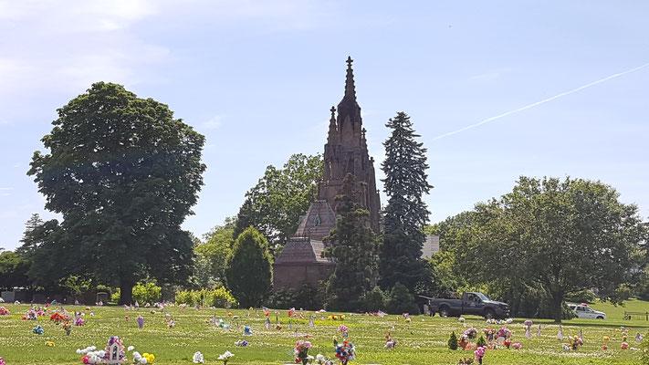 In anderen Städten wäre das eine Sehenswürdigkeit, hier steht die irgendwo in einem Park.....