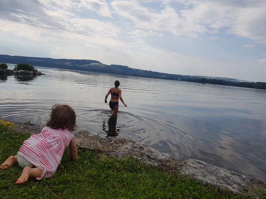 Die beiden Frauen und das Wasser