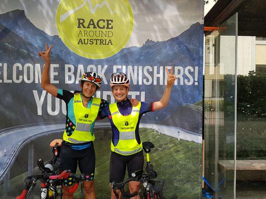 Andrea Rösch und Tabea Ruegge, die ersten beiden der Race-Around-Austria CHALLENGE UNSUPPORTED