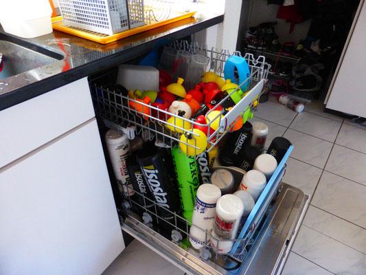 Abwaschmaschine bei zwei Gigathlon-Singles