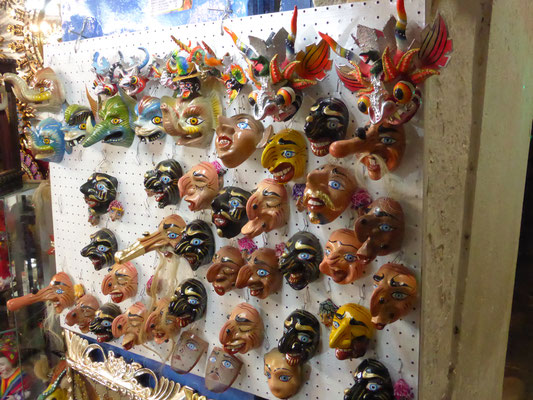 Masken in Cusco
