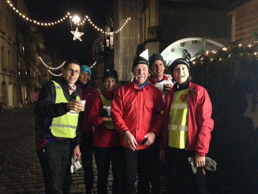 Die Runninggruppe vom TV Bolligen beim alljährlichen Glühweinrun!