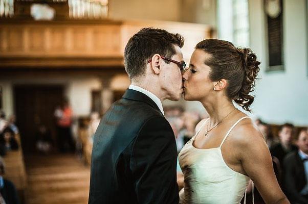 Sie dürfen die Braut jetzt küssen!