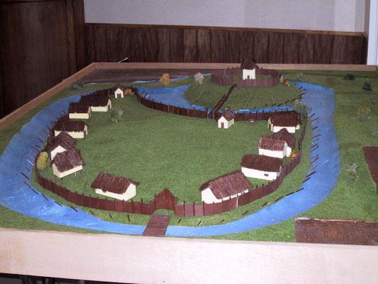 Maquette de la Motte castrale d'Ochtezeele réalisée par les élèves du Lycée Sainte-Marie de Bailleul