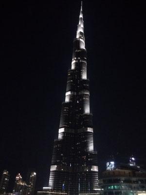 Burj Khalifa (828m)
