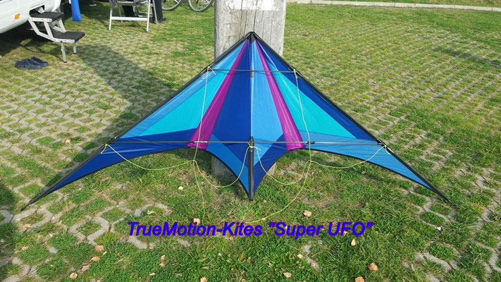 "TrueMotion-Kites ""SuperUFO"""