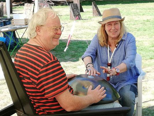 Harald Jüngst mit der Hand Pan zur Finissage