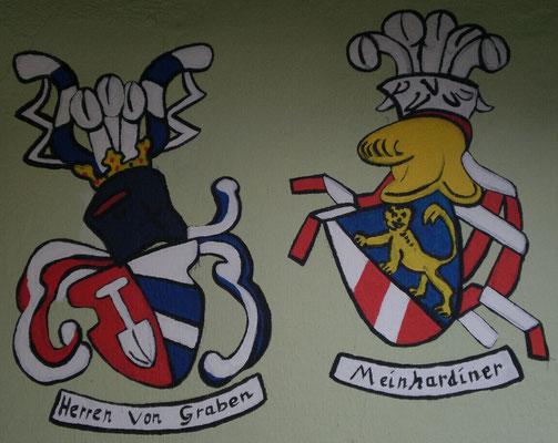 House am Graben (Gars am Kamp, Austria) with the coat of arms of Von Graben and Meinhardiner